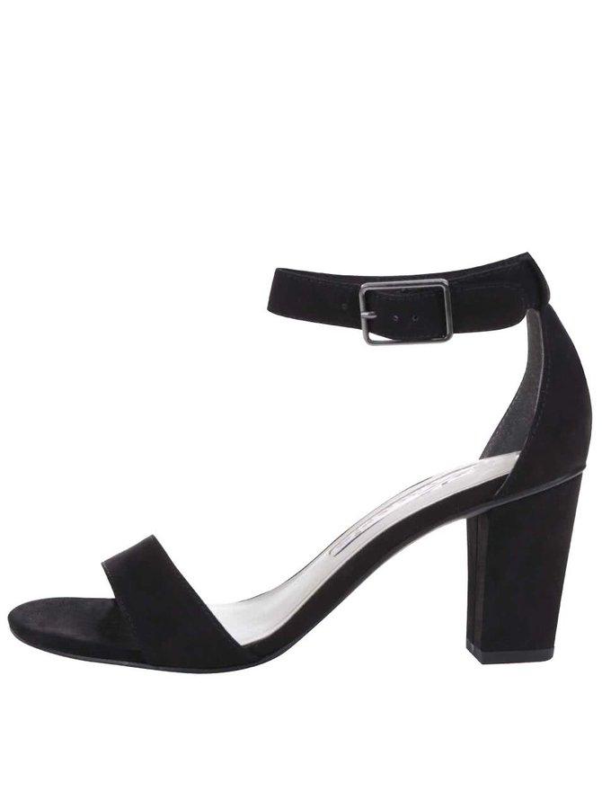 Černé sandály s páskem kolem kotníku Tamaris