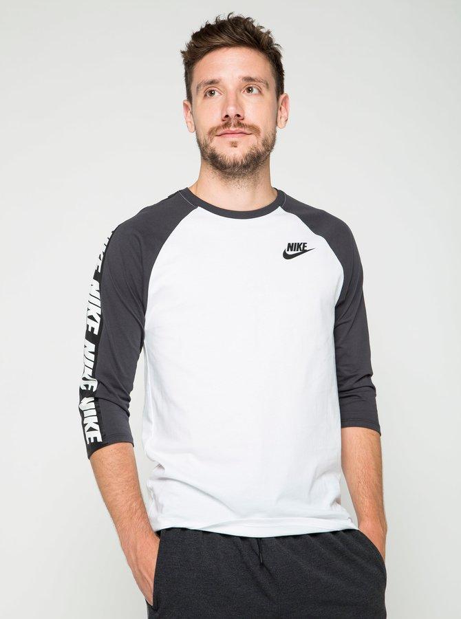 Černo-bílé pánské triko s potiskem Nike Tee