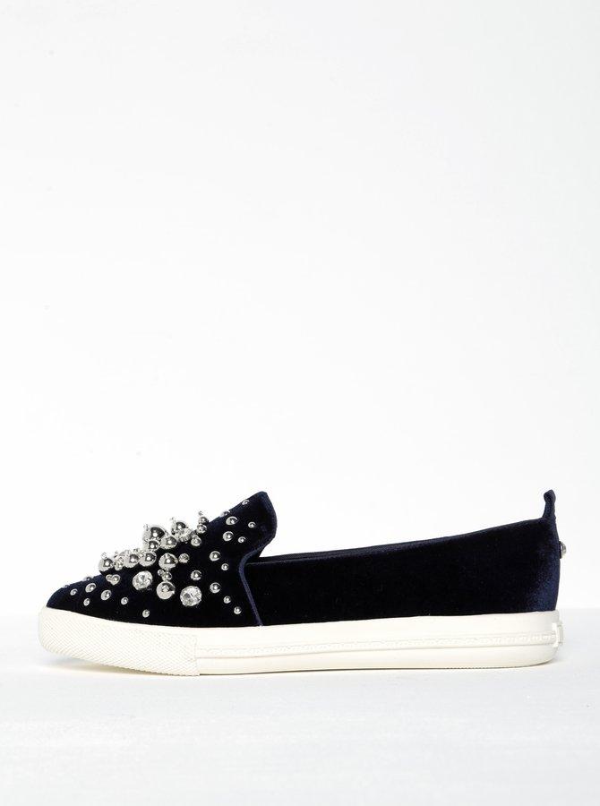 Tmavě modré sametové loafers s kamínky a korálky Miss KG Lareina