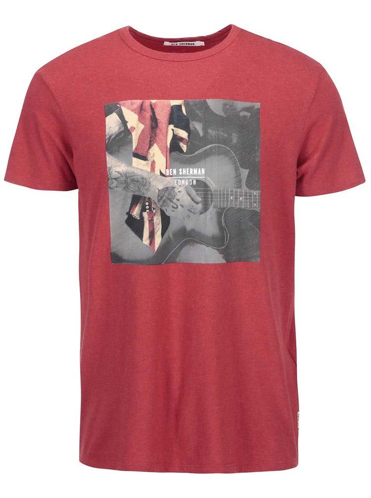 Tricou roșu cu imprimeu chitară de la The Original Ben Sherman
