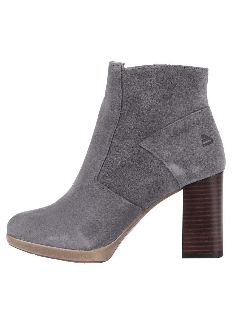 Sivé semišové členkové topánky Bullboxer