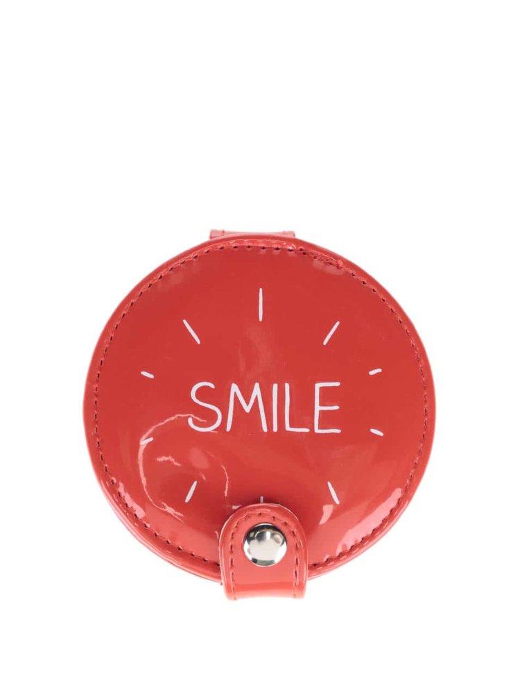Červené kompaktní zrcátko Happy Jackson Smile