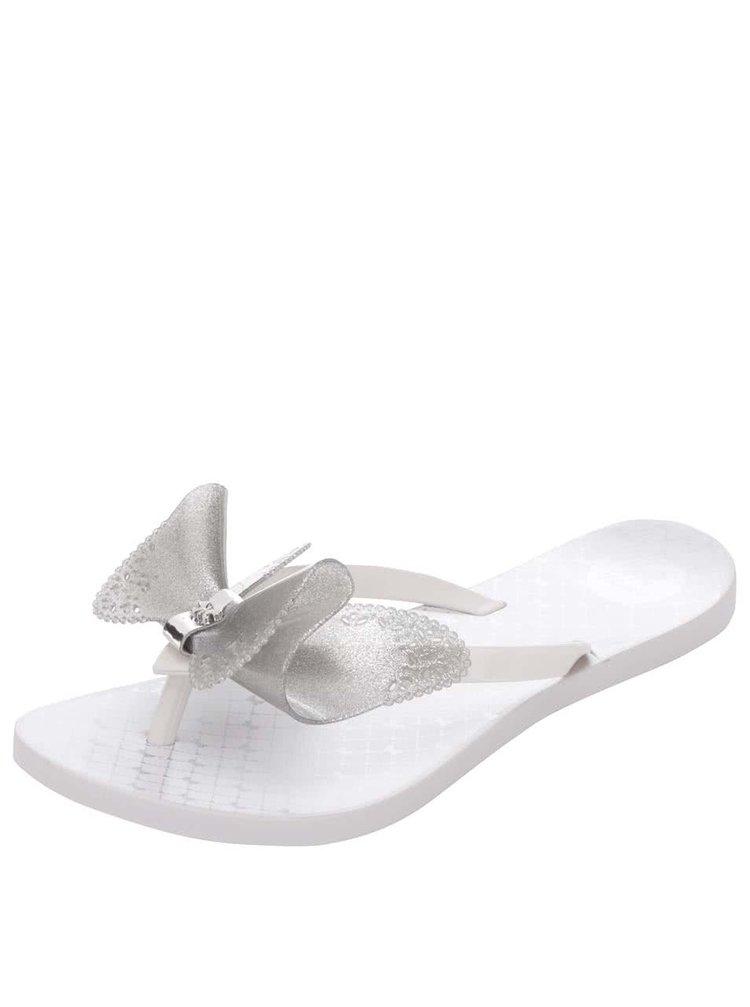 Biele plastové žabky s mašľou v striebornej farbe Zaxy Fresh Butterfly