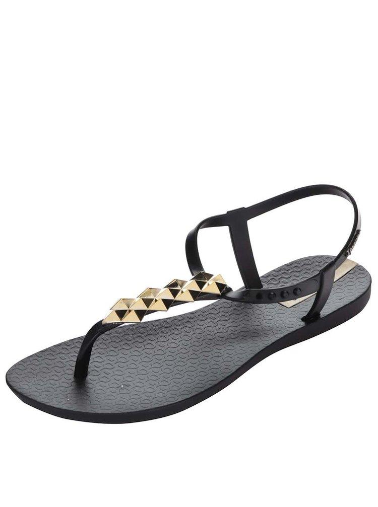 Čierne sandále so zdobením v zlatej farbe Ipanema Charm