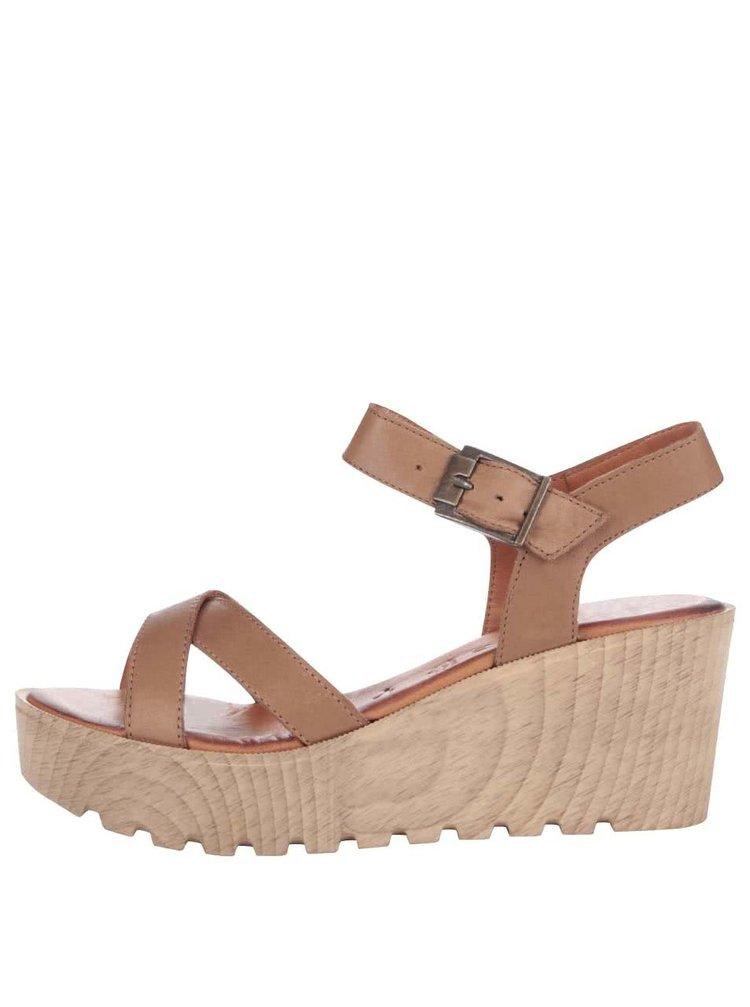 Hnedé kožené sandále na platforme Tamaris