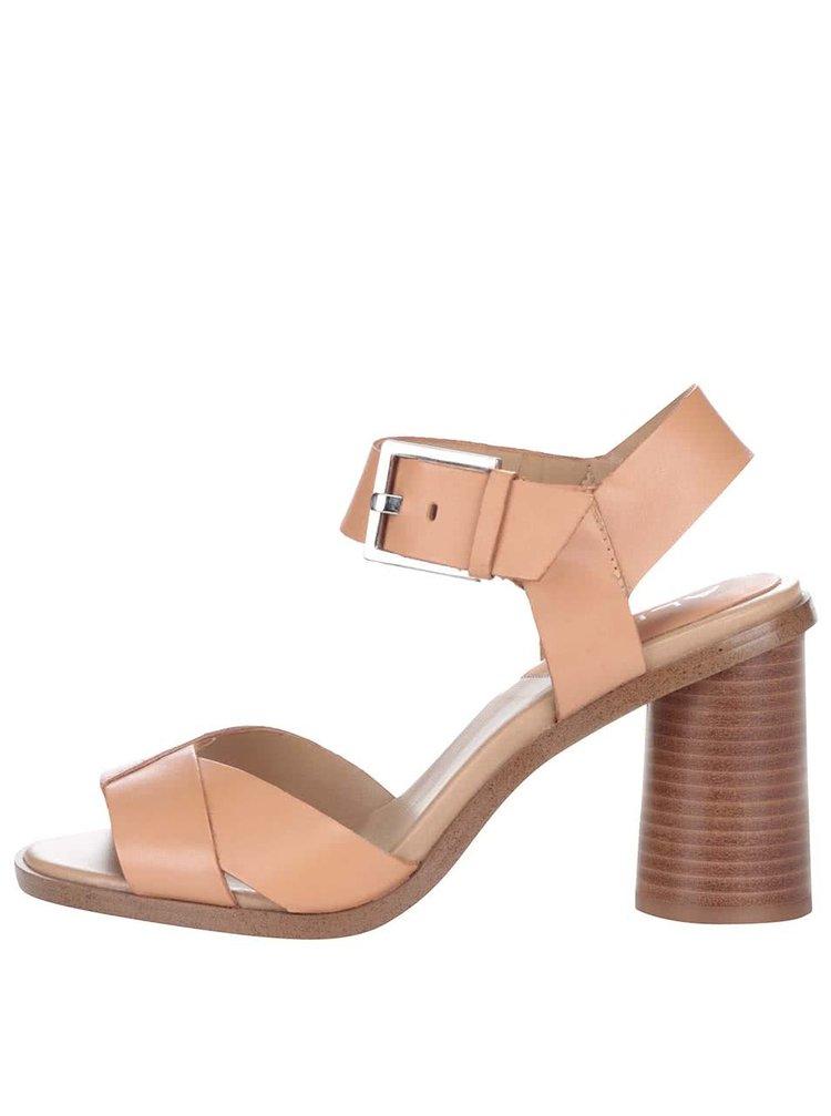 Meruňkově růžové kožené sandály na podpatku s přezkou ve stříbrné barvě ALDO Ponticino