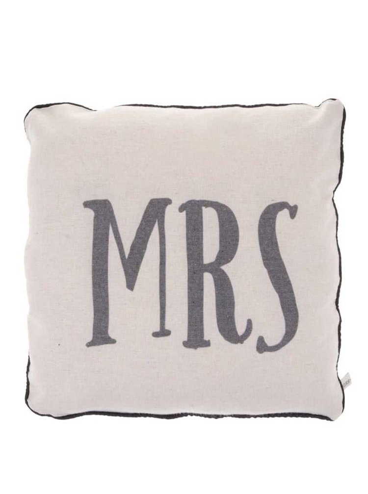 Krémový polštář Sass & Belle Mrs