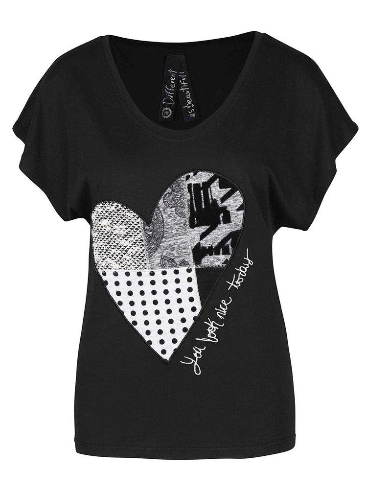 Černé tričko se srdcem Desigual Beget