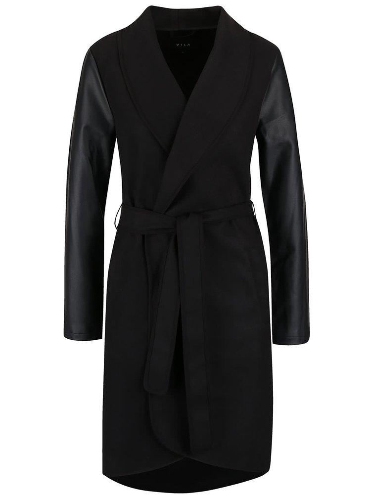 Čierny ľahký kabát s koženkovými rukávmi a opaskom VILA Ida
