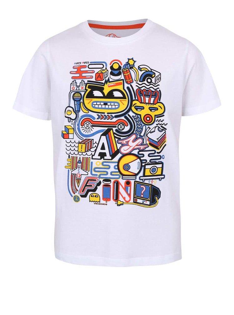 Bílé klučičí triko s barevným potiskem 5.10.15.