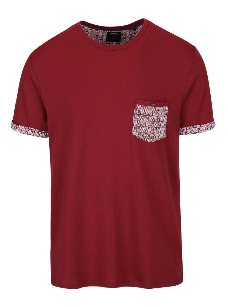 Červené tričko so vzorovaným vreckom Burton Menswear London