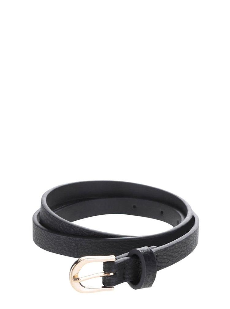 Černý úzký pásek se sponou ve zlaté barvě VERO MODA Anni