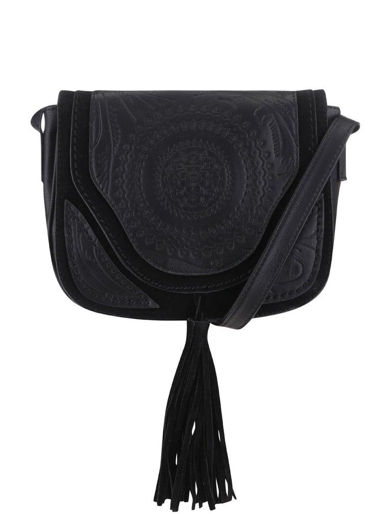 Čierna crossbody kabelka s plastickým vzorom a strapcovými detailmi ONLY Julle