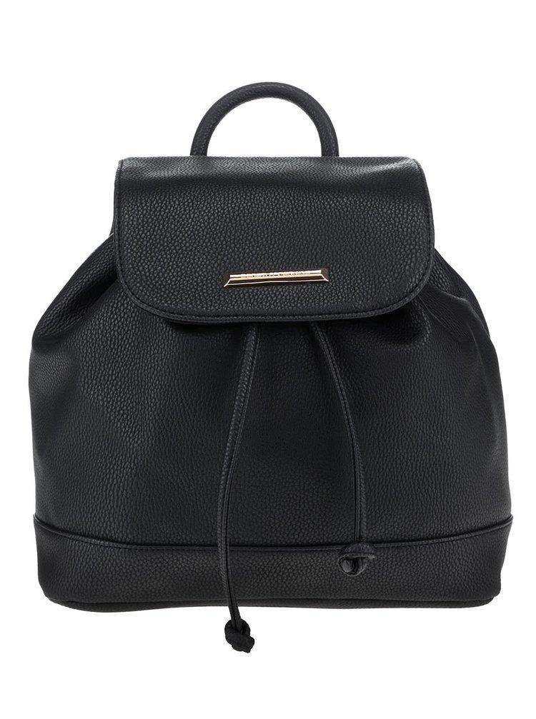 Čierny koženkový batoh s detailmi v zlatej farbe Dorothy Perkins