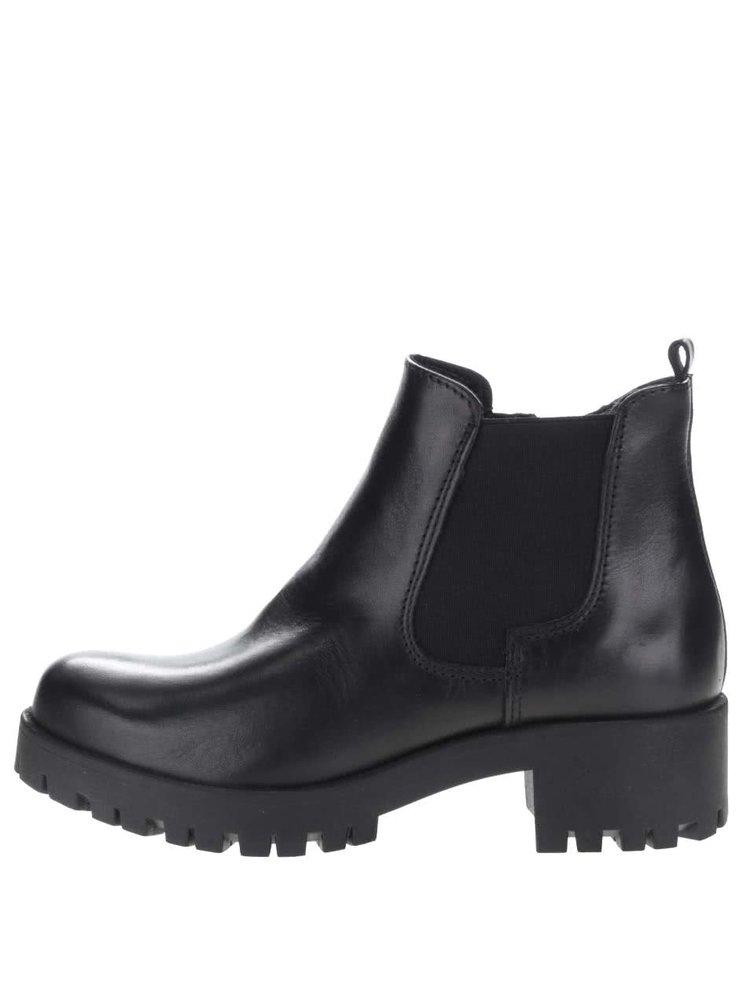 Čierne kožené chelsea topánky Tamaris