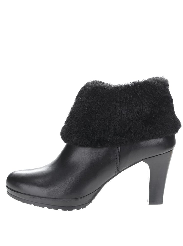 Černé kožené kotníkové boty na podpatku s kožíškem Tamaris