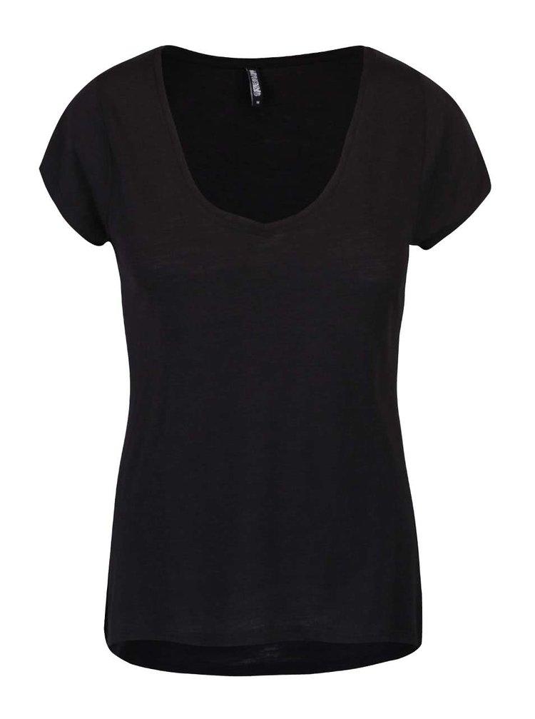 Černé tričko volnějšího střihu Haily´s Janne