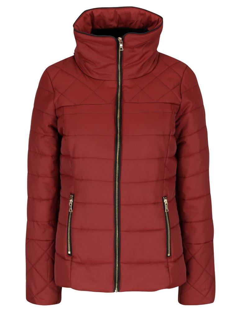 Cihlová prošívaná bunda s umělou kožešinou a vysokým límcem VERO MODA Helle