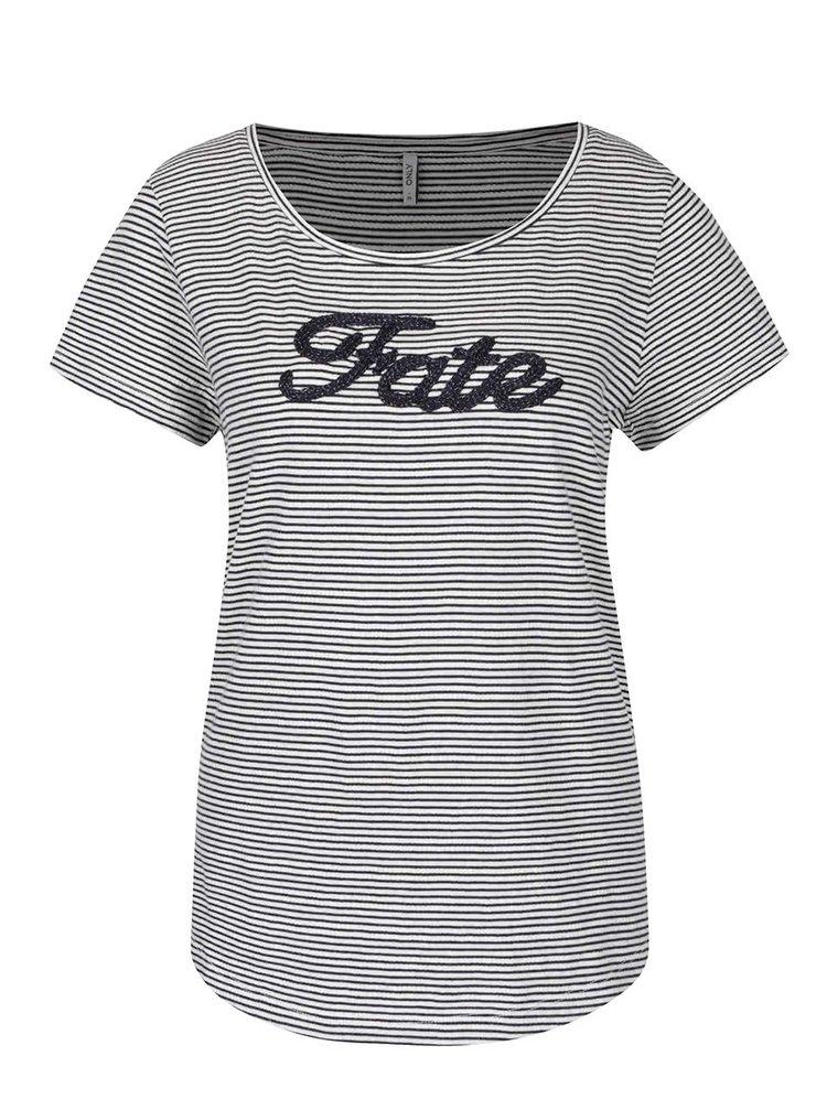 Modro-krémové pruhované tričko s výšivkou ONLY Fate