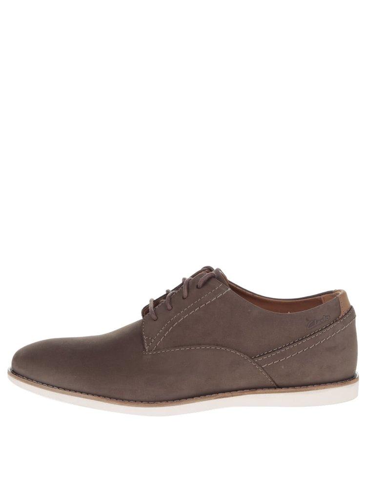 Pantofi maro Clarks Franson Plain din piele intoarsa