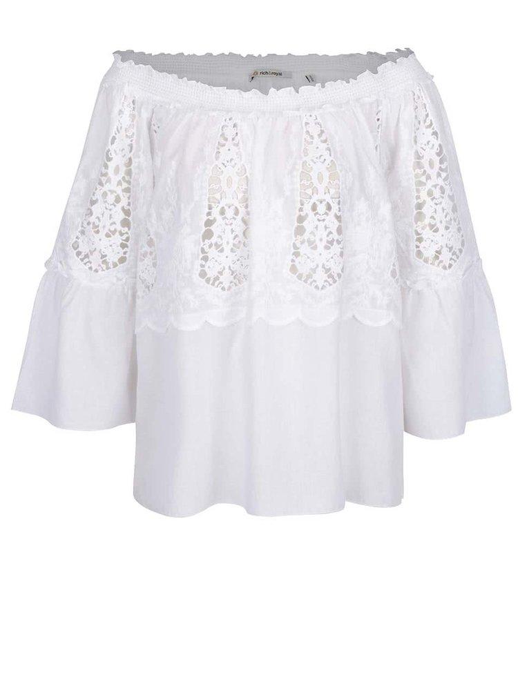 Bluză albă Rich & Royal cu mâneci trei sferturi fluture și detaliu din dantelă