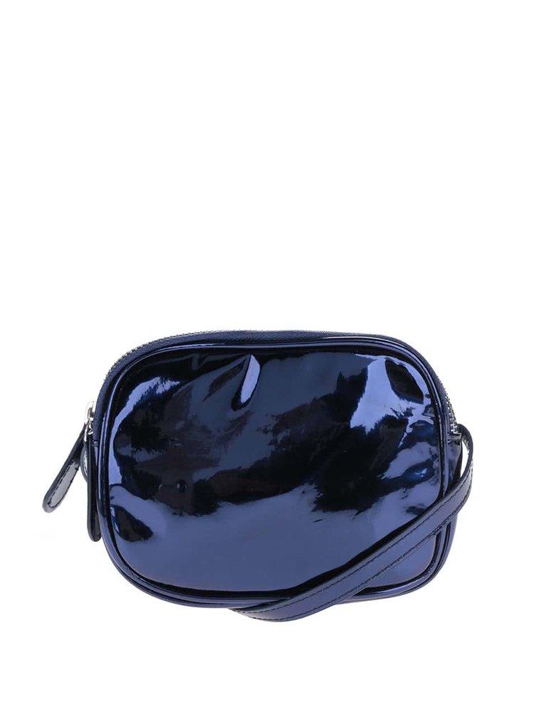 Tmavě modrá lesklá crossbody kabelka Pieces Larissa
