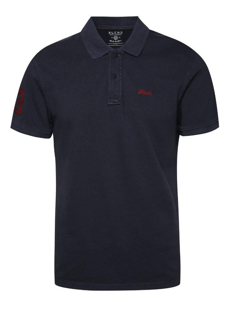 Tmavě modré polo triko s nášivkou na rameni Blend