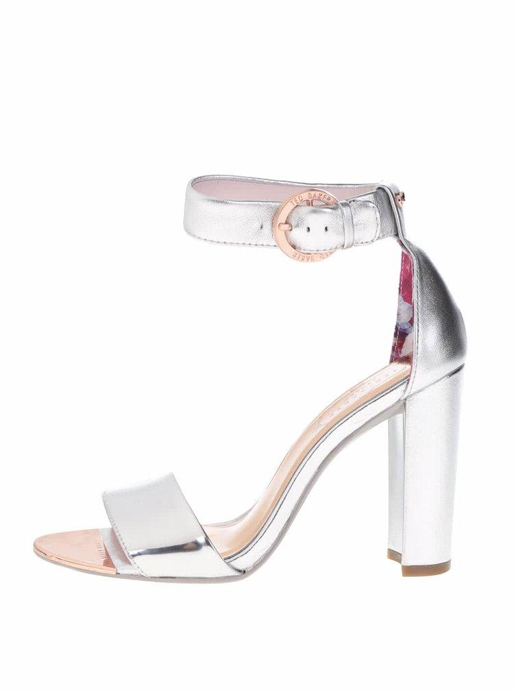 Kožené sandálky na podpatku ve stříbrné barvě Ted Baker