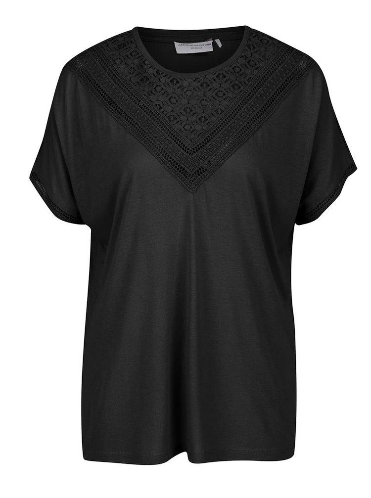 Černé tričko s krajkou v dekoltu Jacqueline de Yong Carly