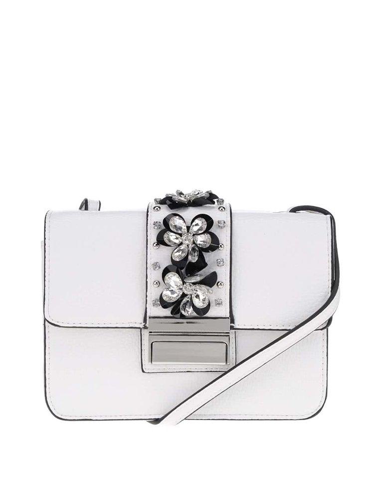 Bílá crossbody kabelka s aplikací ve stříbrné barvě Miss Selfridge