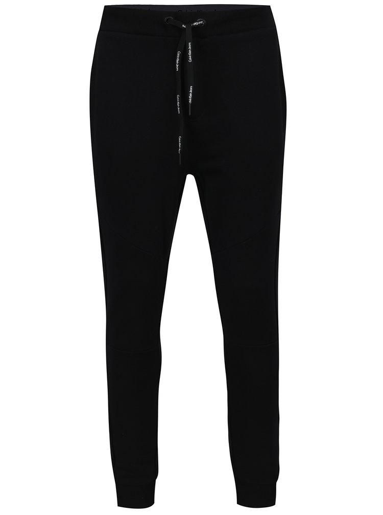 Černé pánské tepláky se síťovanými detaily Calvin Klein Husion