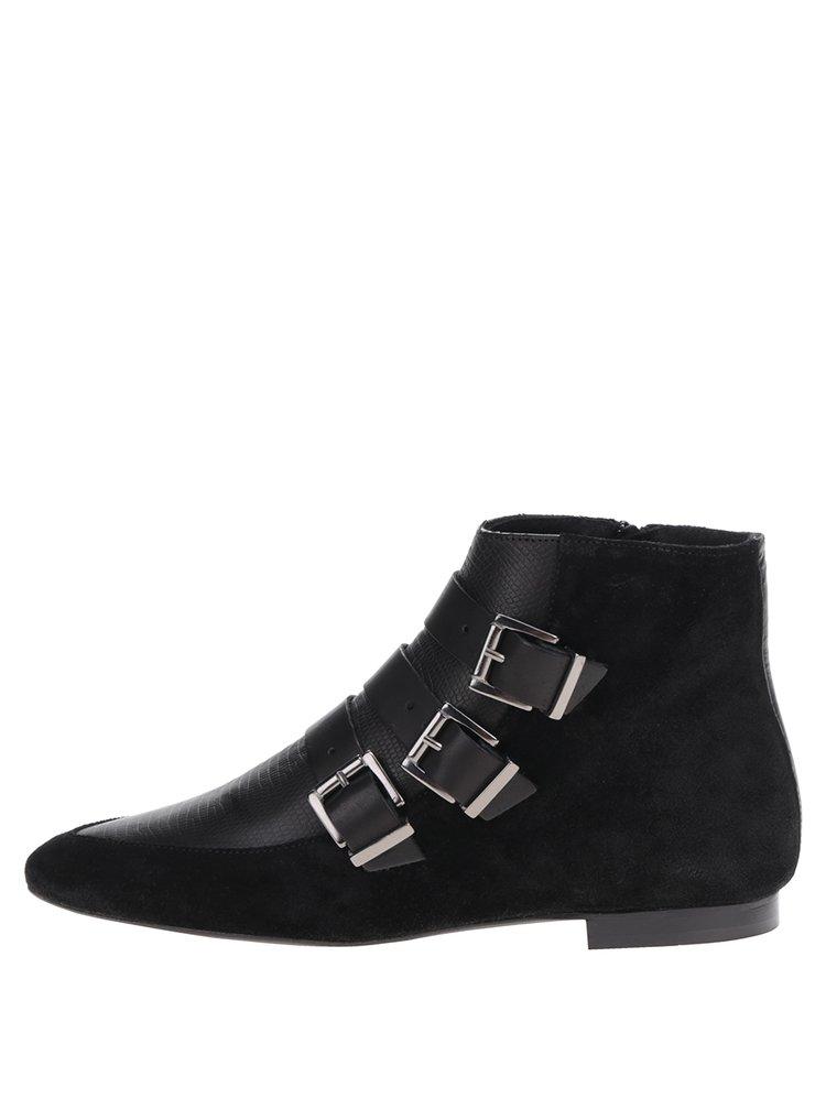 Čierne semišové členkové topánky s prackami Pieces Pelippa