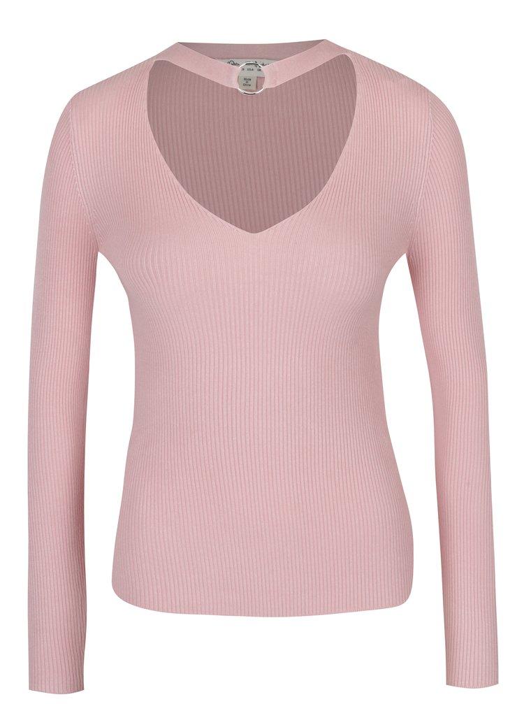 Světle růžový svetr s chokerem a sponou Miss Selfridge