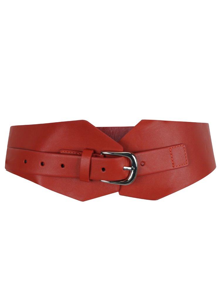 Červený koženkový pásek Miss Selfridge
