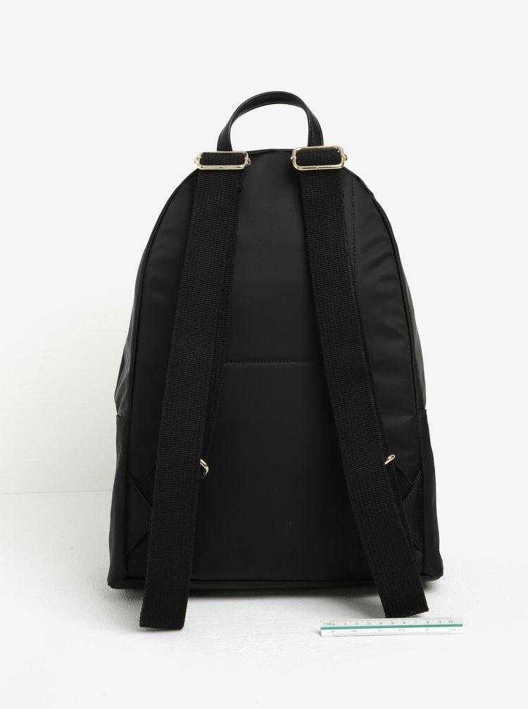 6943d267c Černý dámský batoh Tommy Hilfiger Poppy | ZOOT.cz