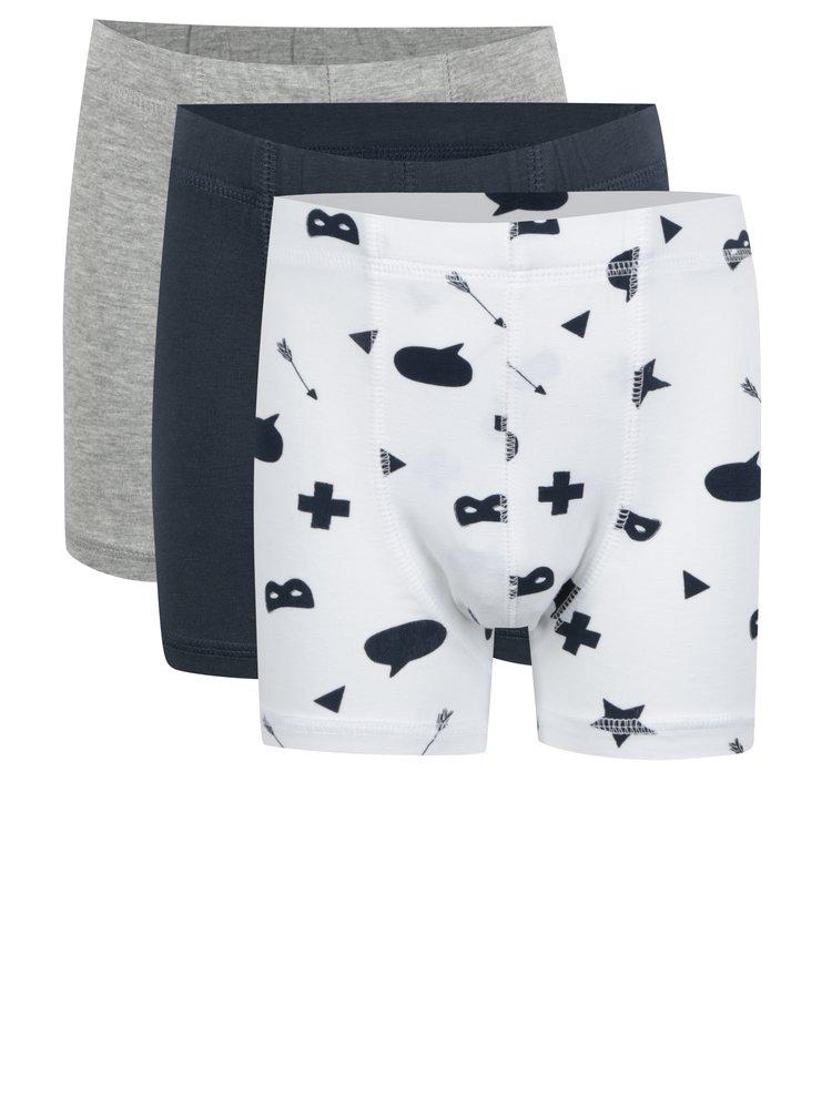 Sada tří klučičích boxerek v šedé, tmavě modré a bílé barvě name it