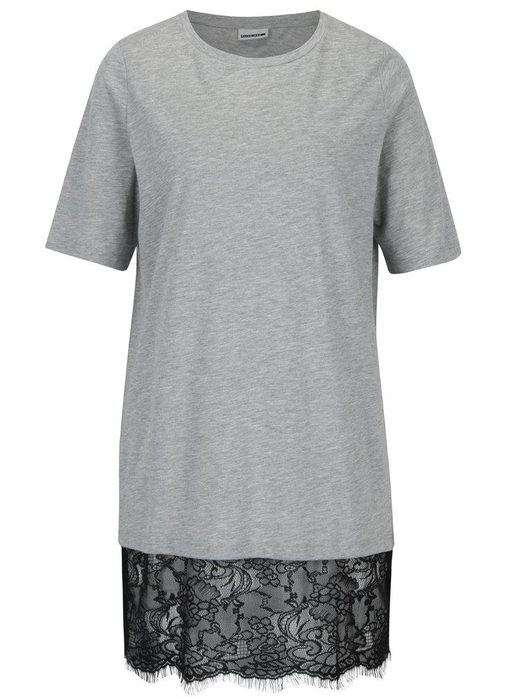 Světle šedé dlouhé tričko s krajkovým dolním lemem Noisy May
