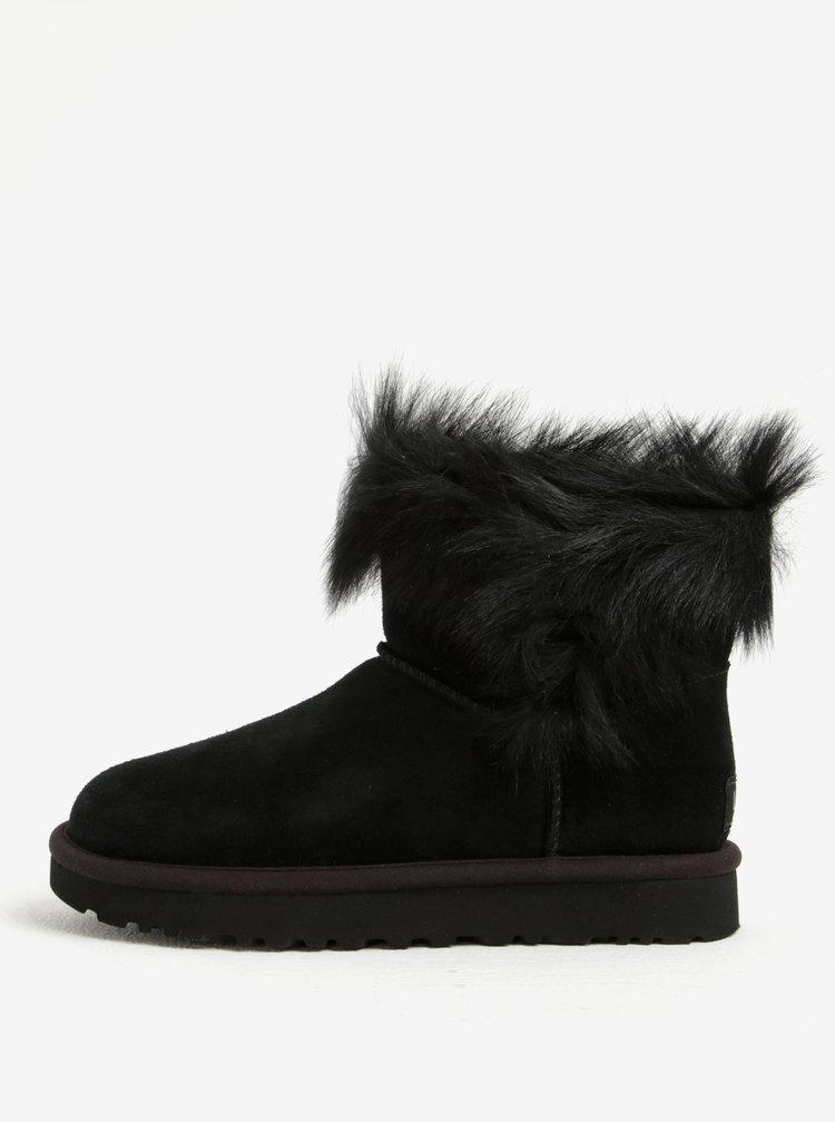 6e95569e40 Čierne zimné semišové vodovzdorné čižmy s kožúškom UGG Classic Short ...