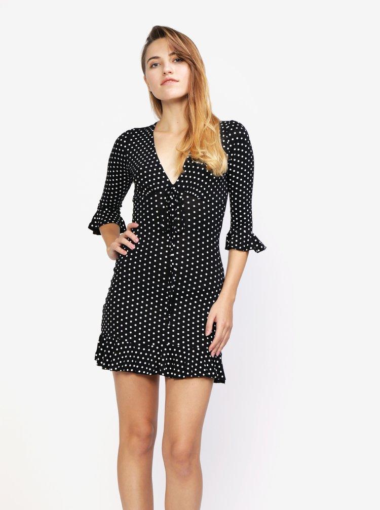 Černé puntíkované šaty s volánem MISSGUIDED