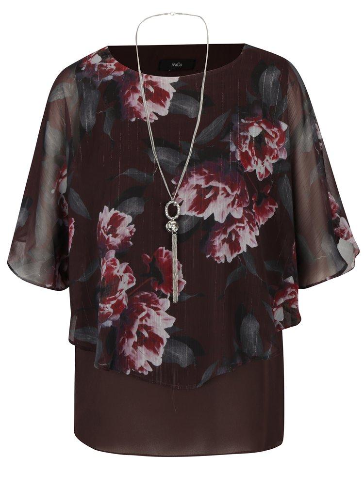 Vínová květovaná halenka s netopýřími rukávy a řetízkem ve stříbrné barvě M&Co