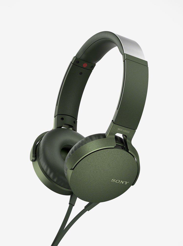 Tmavě zelená sluchátka s mikrofonem Sony Extra Bass