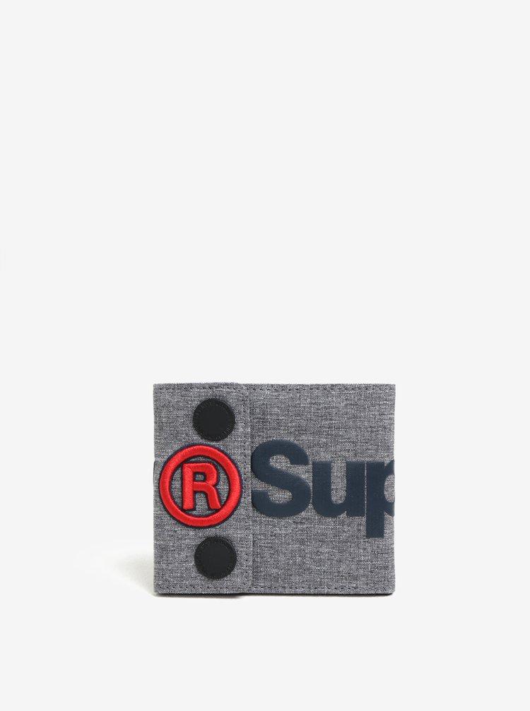 Šedá žíhaná peněženka s potiskem a nášivkou Superdry Wallet
