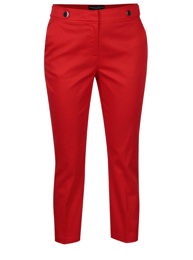 Červené zkrácené kalhoty s ozdobnými knoflíky Dorothy Perkins