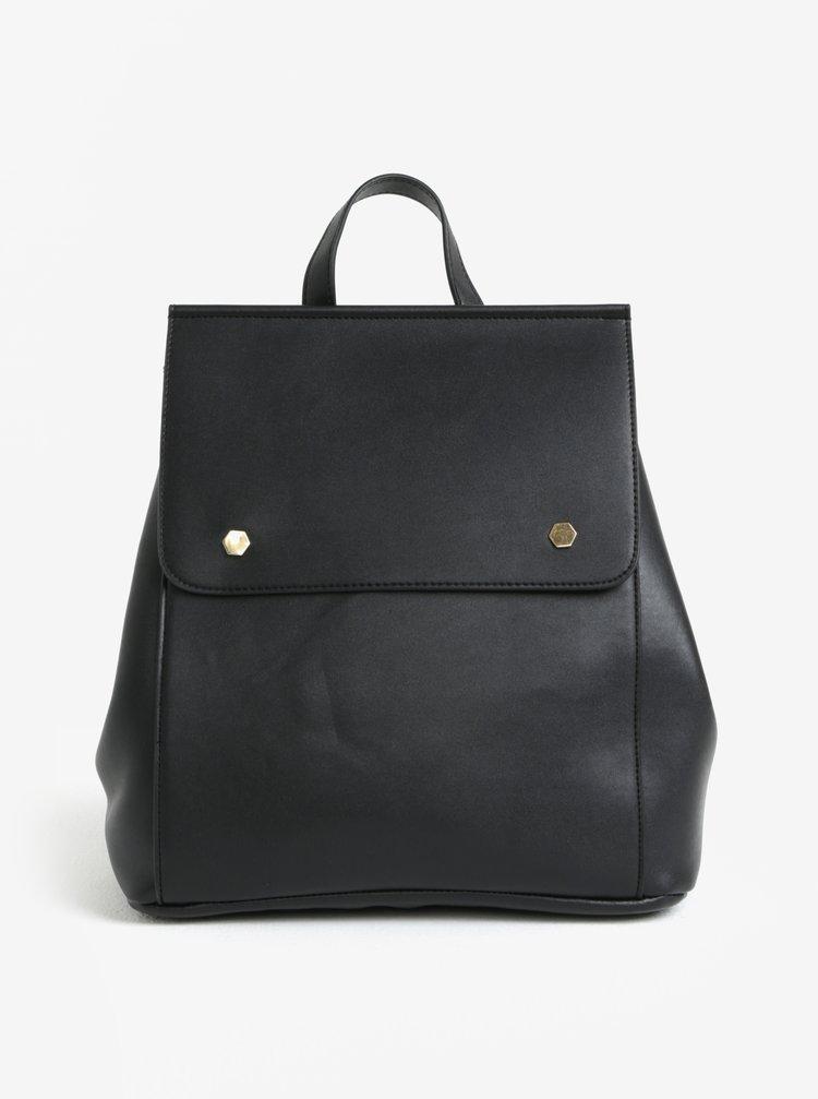 Černý batoh s klopou Pieces Unnel
