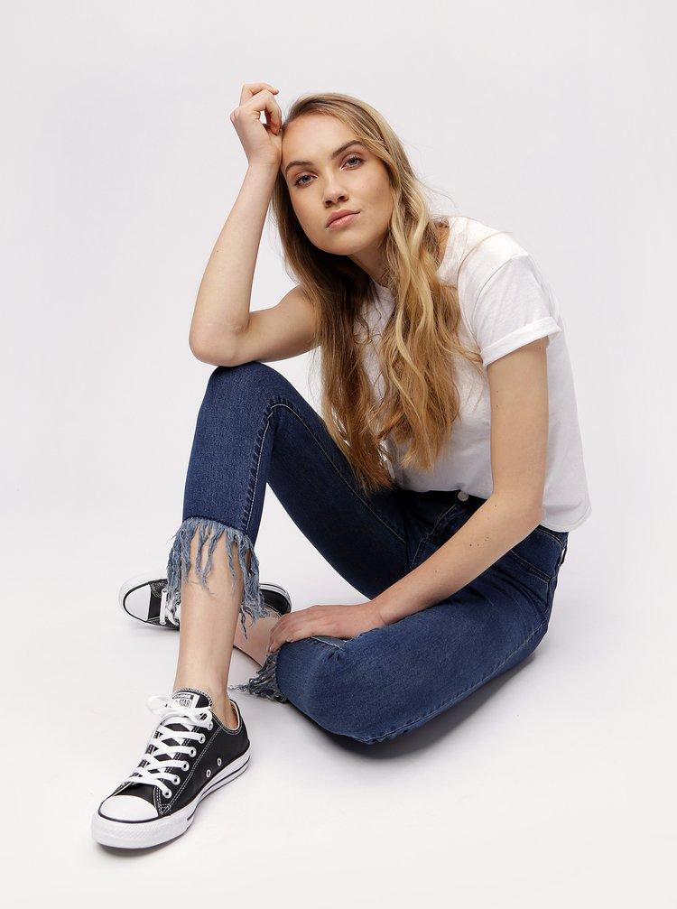 Tmavě modré zkrácené skinny džíny MISSGUIDED