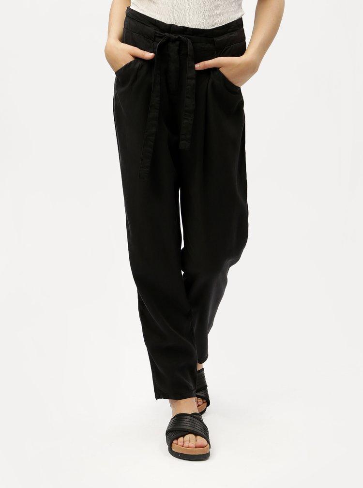 Čierne voľné nohavice so zaväzovaním VERO MODA Breeze