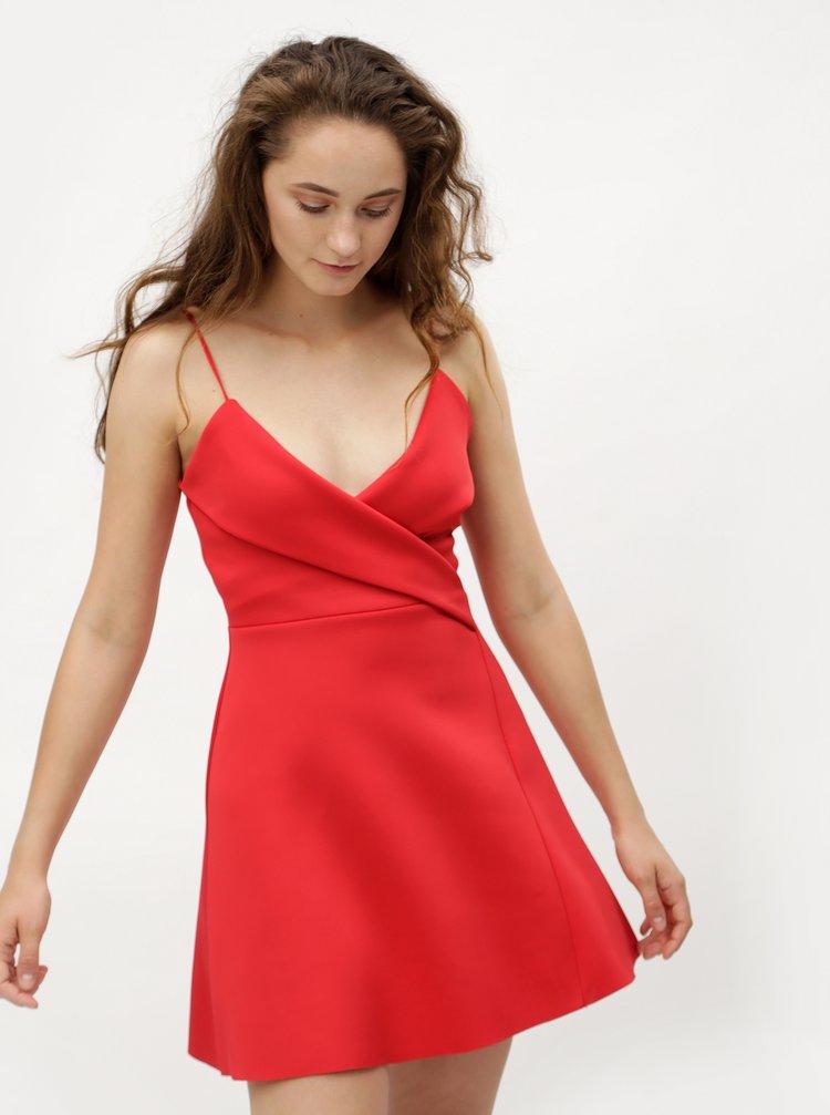 Červené šaty na ramienka MISSGUIDED