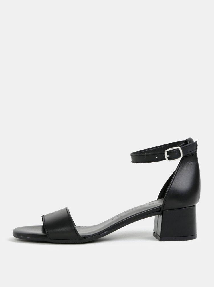 Černé kožené sandálky na podpatku Tamaris