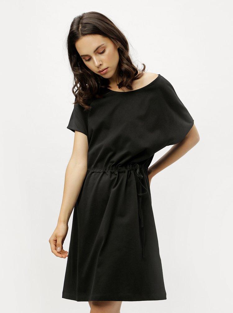 Černé volné šaty se stahováním v pase ZOOT