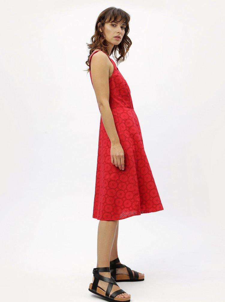 Červené šaty na ramínka s madeirou M&Co